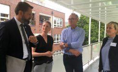 Umweltminister Olaf Lies zu Gast im Science Truck